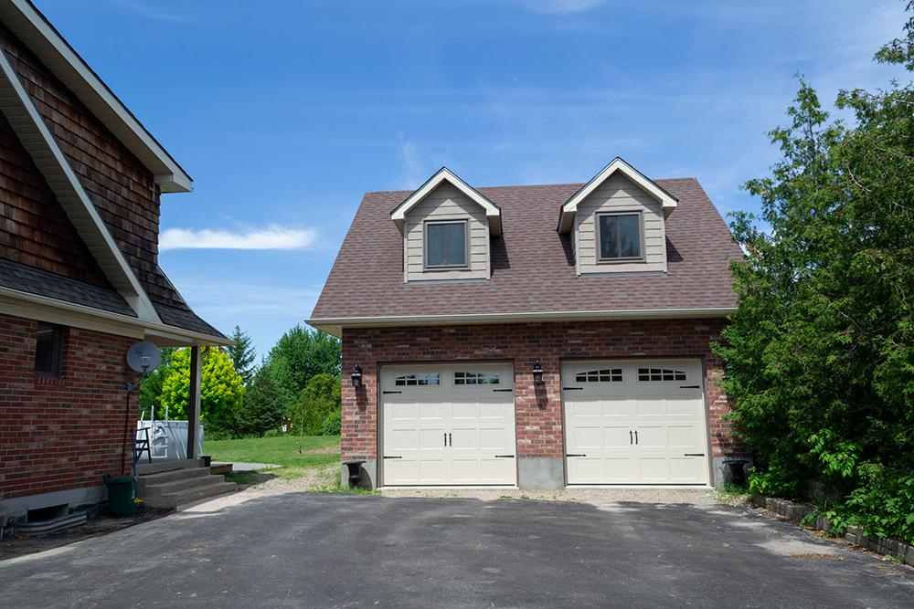 Garage / Coach House front